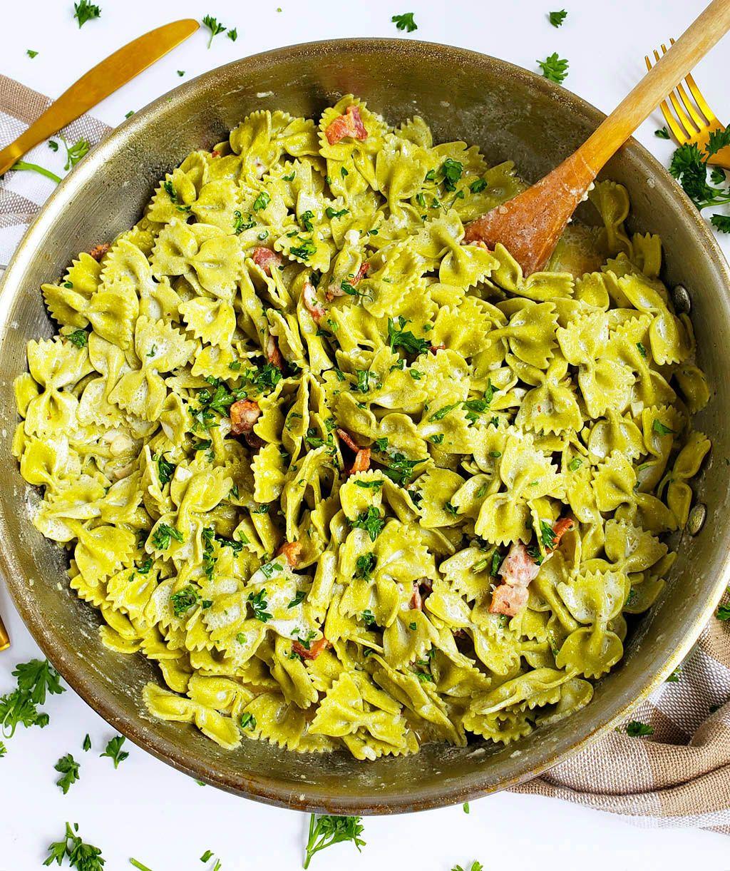 Pasta Carbonara - Easy Italian Pasta Recipe - YouTube  Delicious Pasta Carbonara
