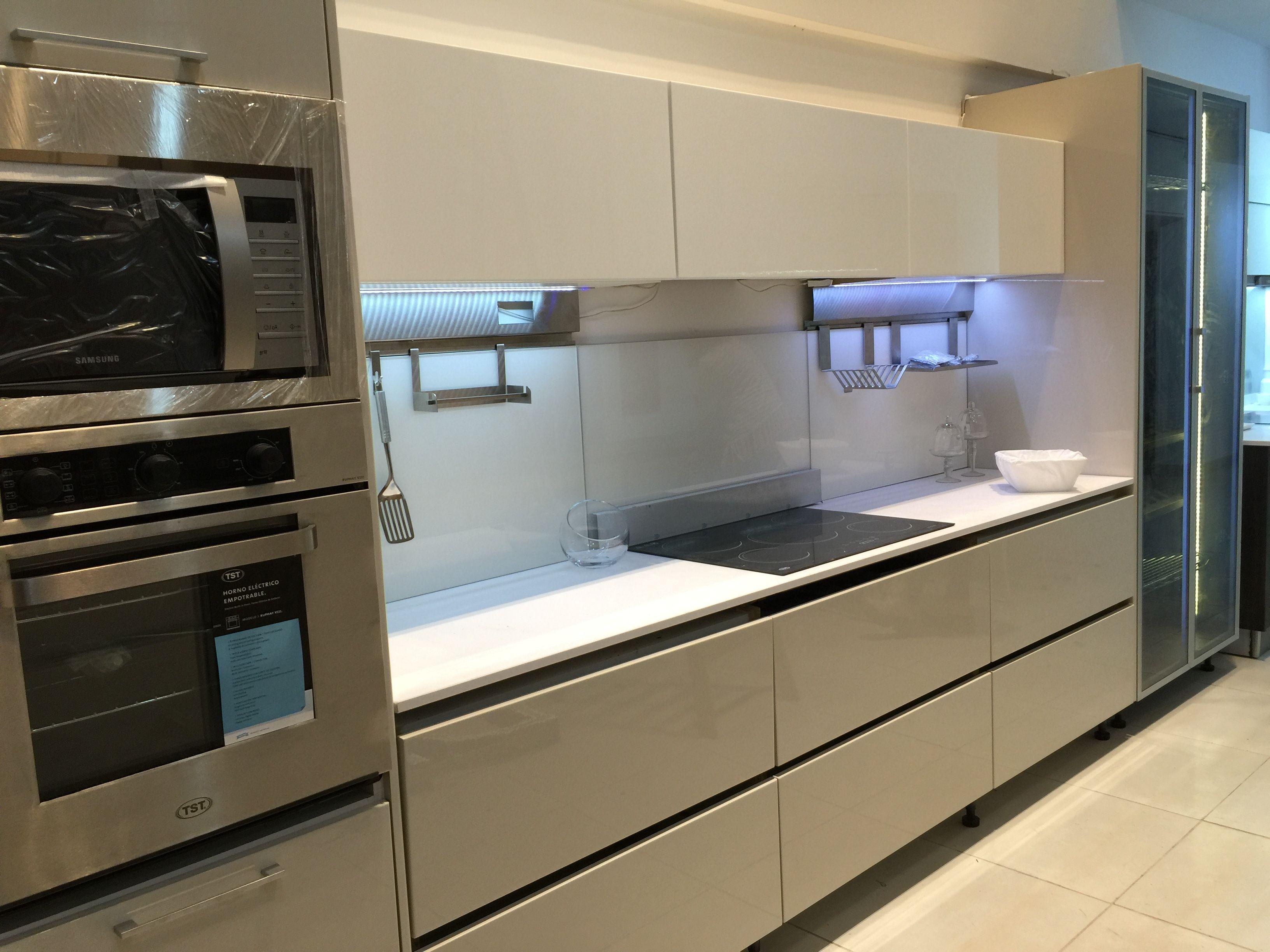L Nea Continental En El Showroom De N Ez Cocinas L Nea  # Muebles Generacion