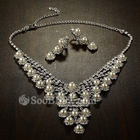 Enchanting Faux Pearl and Clear Rhinestone Earrings and Necklace Jewelry Set