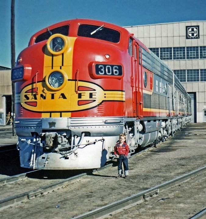 Santa Fe F Unit In Warbonnet Atchison Train Rail Car