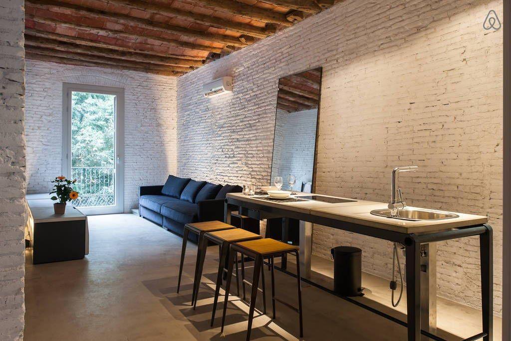 Ganhe uma noite no .Designer LOFT in the very center - Lofts para Alugar no Airbnb!