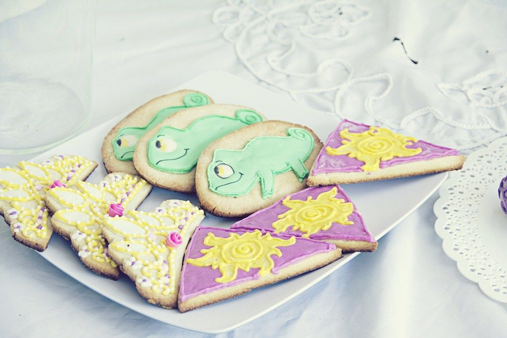 more Tangled cookies