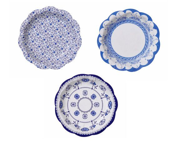 These plates look like vintage china but are paper! // Blue Porcelain Style Paper Plates 12 Vintage Style by iislands  sc 1 st  Pinterest & Vintage Style Floral Plates - 12 Paper Plates - Blue Porcelain Style ...