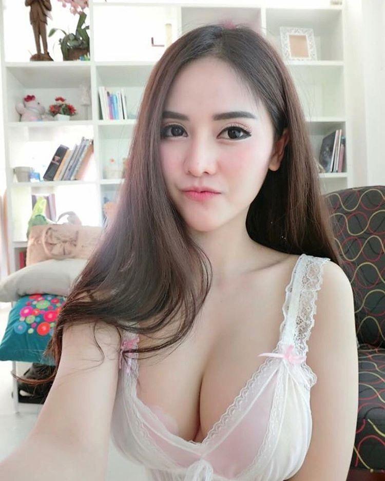 Indonesia #cantik #cewekseksi #cewek #wanita #gadis #abg
