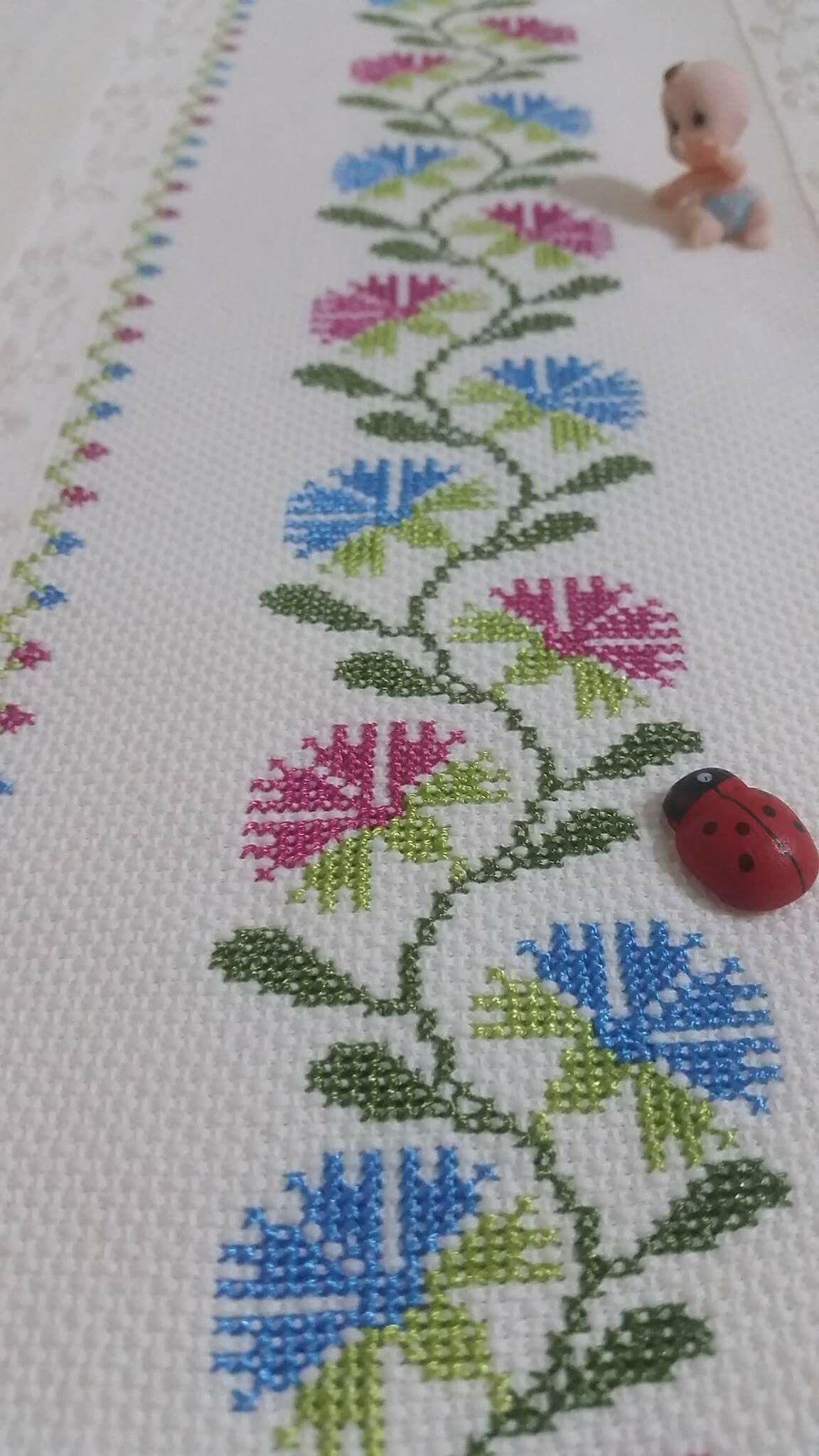 Cravos ponto cruz e bordados pinterest cross stitch stitch