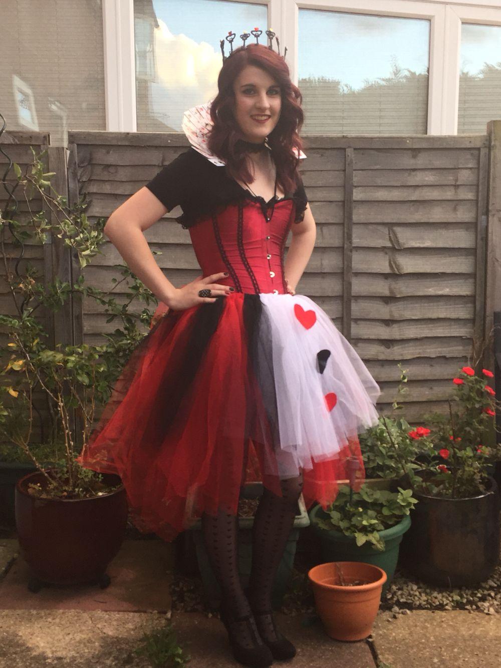 Queen of hearts costume, DIY tutu, crown, card collar