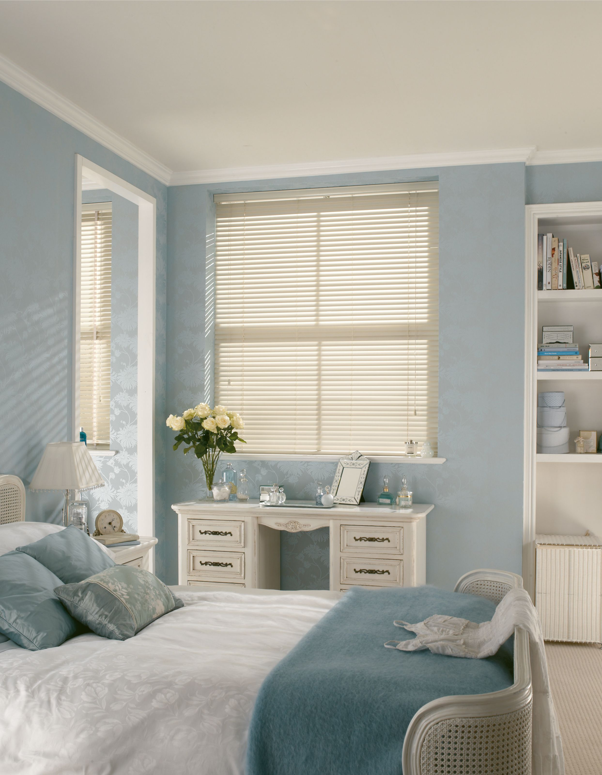 White Wood Venetian blinds for your bedroom from Hillarys can at a ...