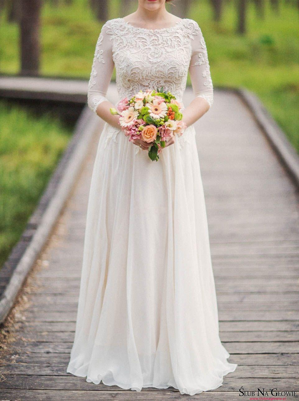 Zwiewna suknia ślubna Wedding ideas Wedding gowns