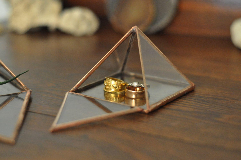 Pyramid Display Box Exhibiting Pinterest Display boxes Box