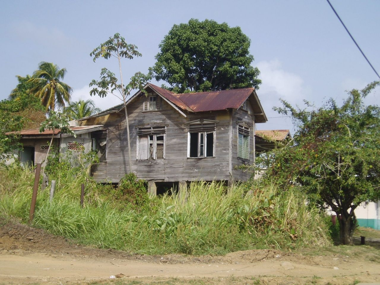 An old house in trinidad while going to mayaro trinidad for Trini homes