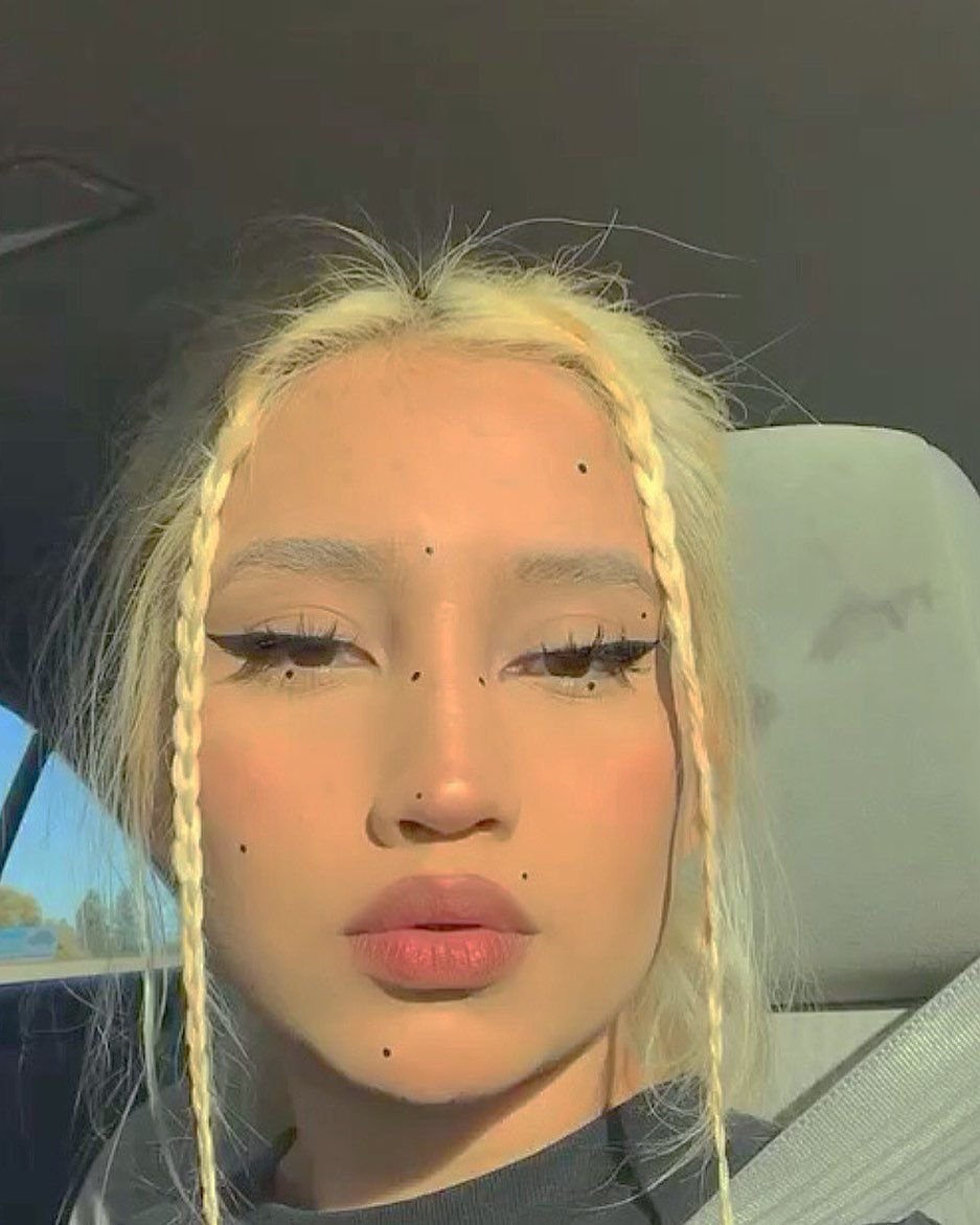 """@vickjpg on Instagram: """"i been a 5 🌟 bitch  lips:"""