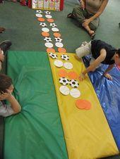 Una forma divertida de alentar a los niños a producir el lenguaje es crear patrones Túrnense para que los niños nombren el patrón en voz alta...