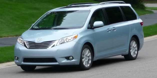 Toyota Sienna Recalls 744K Minivans