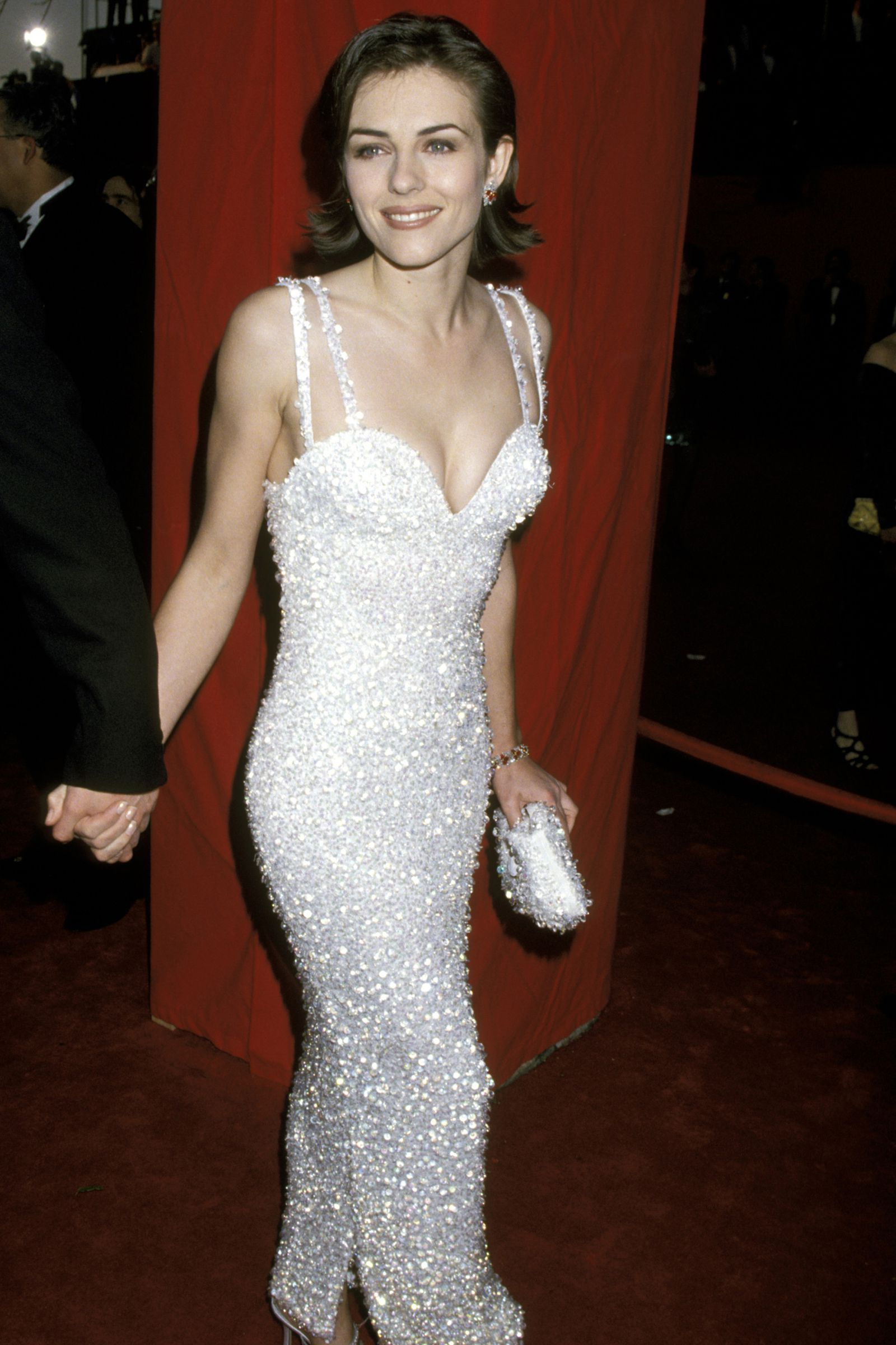 Here Are The Absolute Sexiest Oscars Dresses Of All Time Best Oscar Dresses Oscar Dresses Oscar Gowns