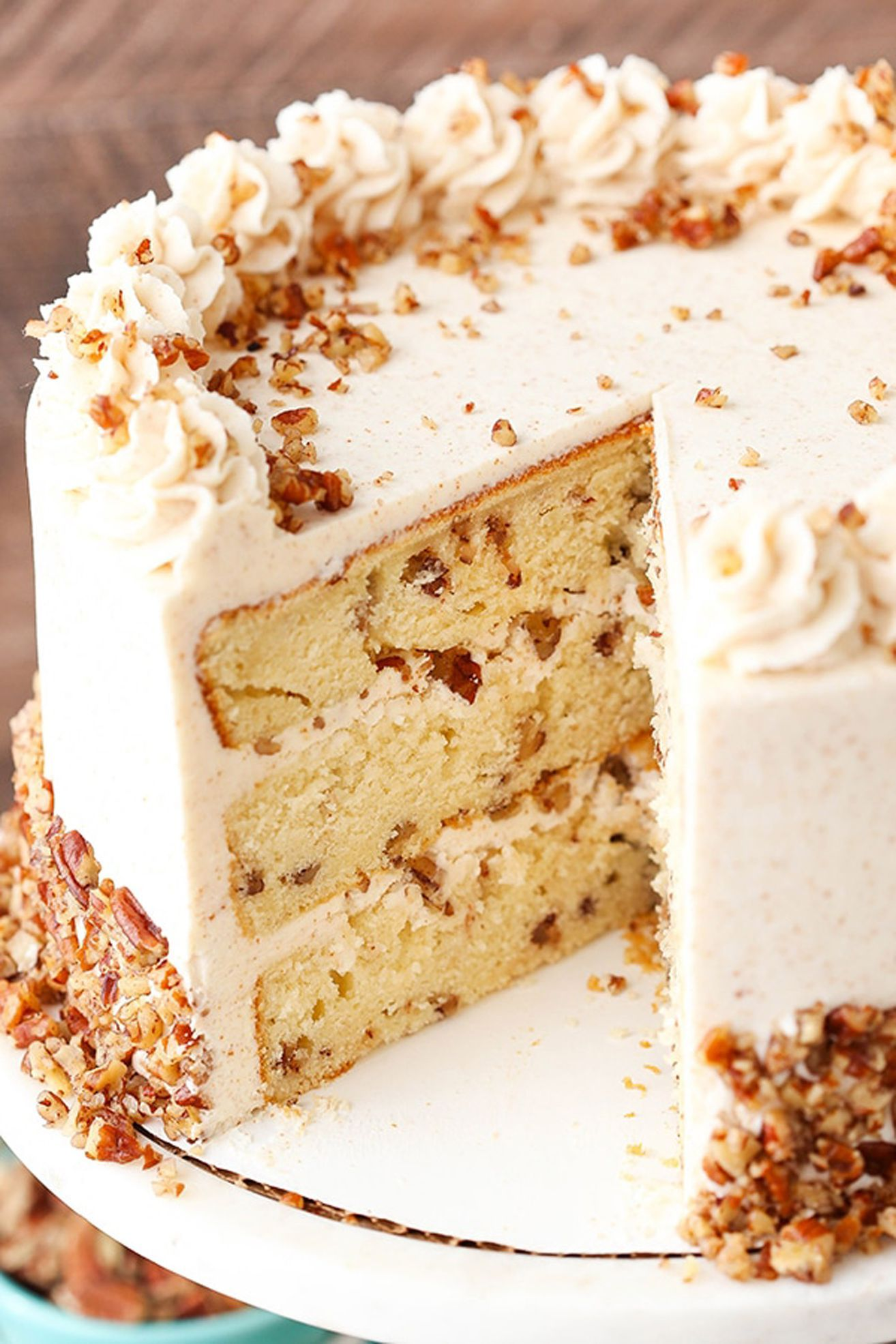 20 Thanksgiving Cakes That Will Impress Even the Strictest Pie