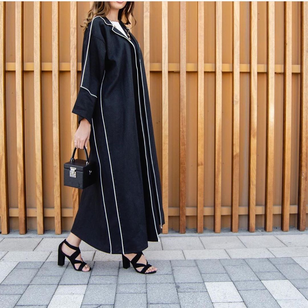 Stylish And Contemporary Black Abaya With Chic Contrasting White Piping Black Abaya Abaya Beauty Dress
