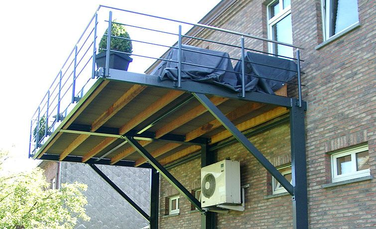 terrasse suspendue en acier architecture terrasse. Black Bedroom Furniture Sets. Home Design Ideas