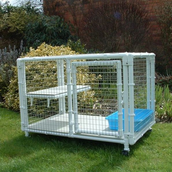 Chalet A Holding Cat Cage Or Place To Sleep Cat Cages Cat Enclosure Cat Pen