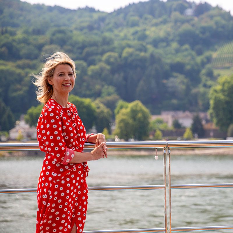 Season 2 | Seasons, Samantha, Rhine river cruise