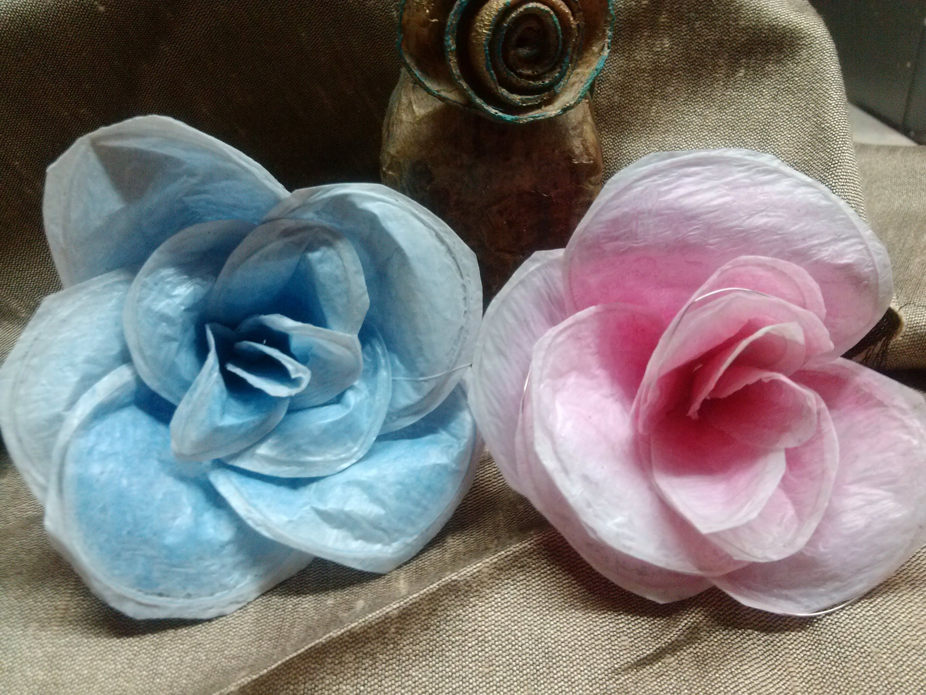 Diy how to make flowers from plastic bags flores con - Manualidades con bolsas de plastico ...