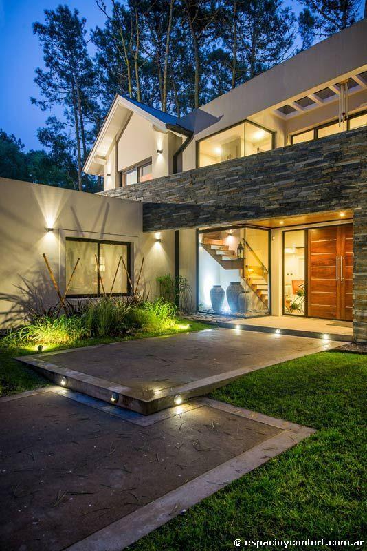 C mo remodelar una casa antigua para hacerla moderna for Casa moderna design