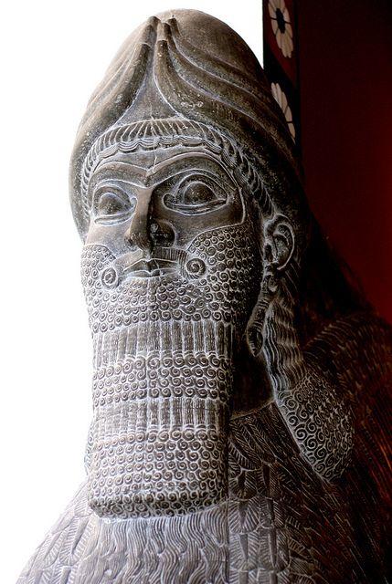 Berlin Pergamonmuseum Lamassu Rekonstruktion Eines Assyrischen Palastinnenraums Lamassu Reconstruction Ancient Mesopotamia Ancient Discoveries Ancient Art