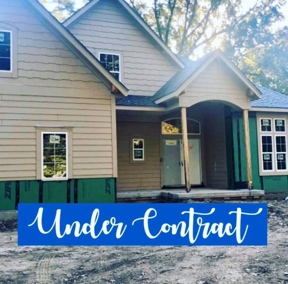 Way To Go Hannah Heinz You Ve Just Made Another Family Very Happy Under Contract So Excited For My Clients To Real Estate Overland Park Overland Park Ks
