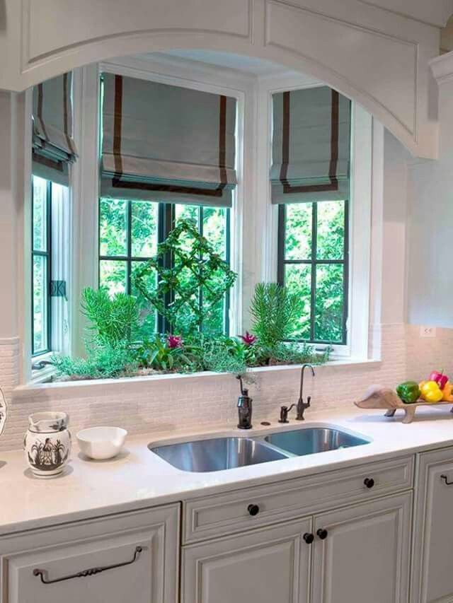 Superieur Herb Garden In The Kitchen. I Love This Idea