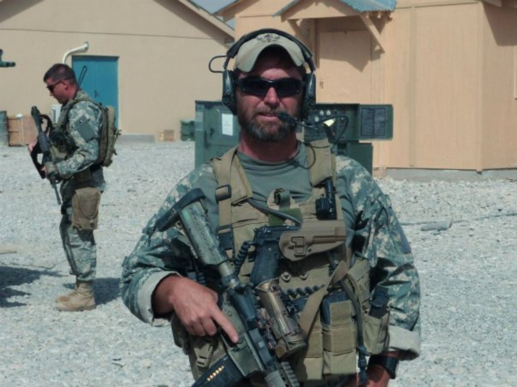 Sf Medic Green Beret Green Beret Us Special Forces American Soldiers