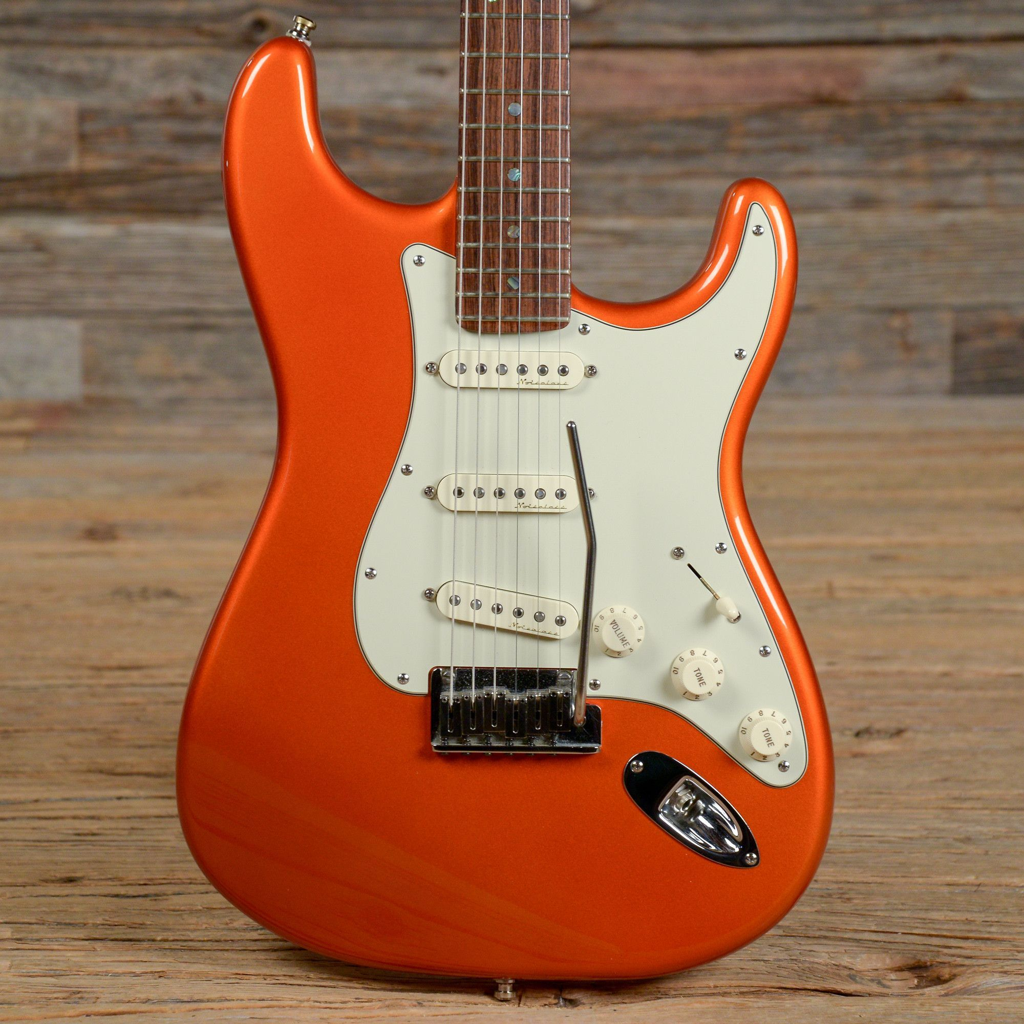 Fender American Deluxe Stratocaster Candy Tangerine 2002 (s309 ...
