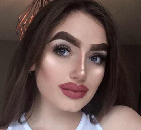 20 of the Most Absurd Eyebrow Trends - bemethis #womensfashiongoingoutfunny  | Halo brows, Eyebrow trends, Eyebrows