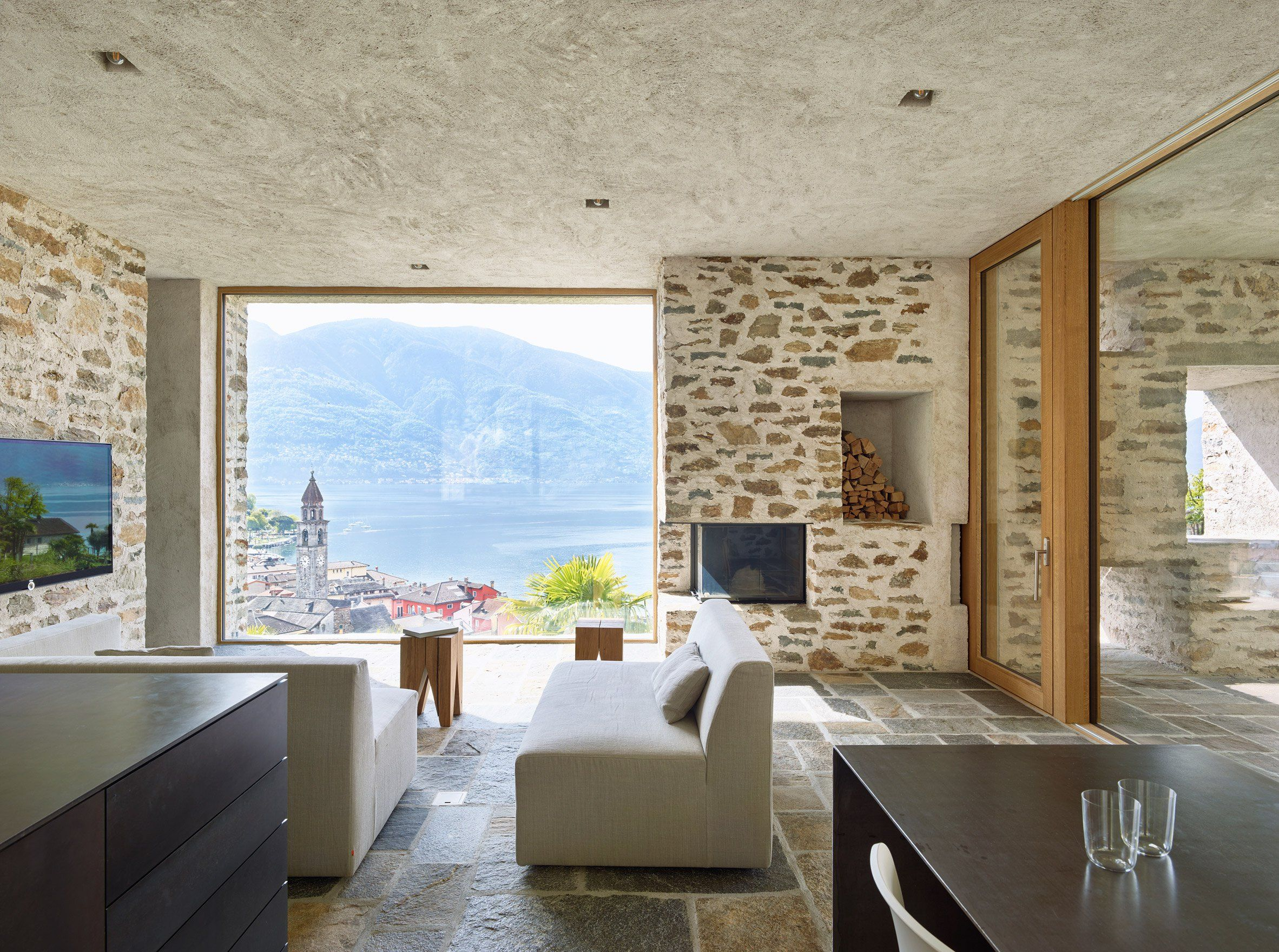 Wespi de Meuron Romeo uses stone and plaster for lakeside house ...