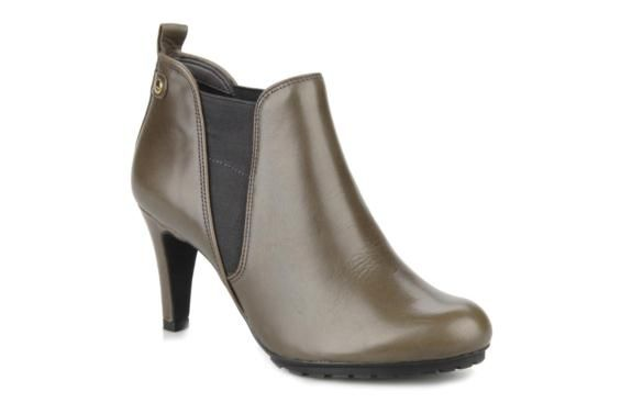 Clarks Kemble biscuit Ankle Boots Color: Grey
