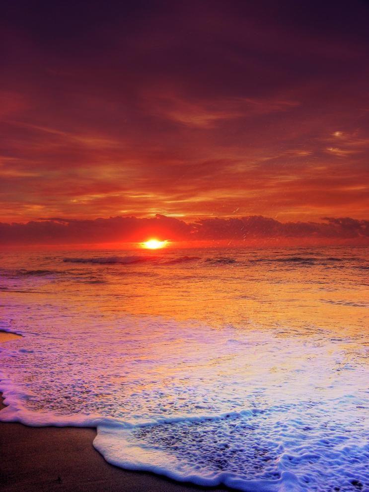 Sunset Over The Ocean A P I C T U R E S W O R T H