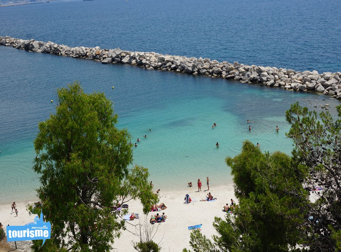 La #plage de Corbière, #Marseille. Idéale pour des jeux de plage et explorer les fonds marins. #voyage #travel #beach #Provence