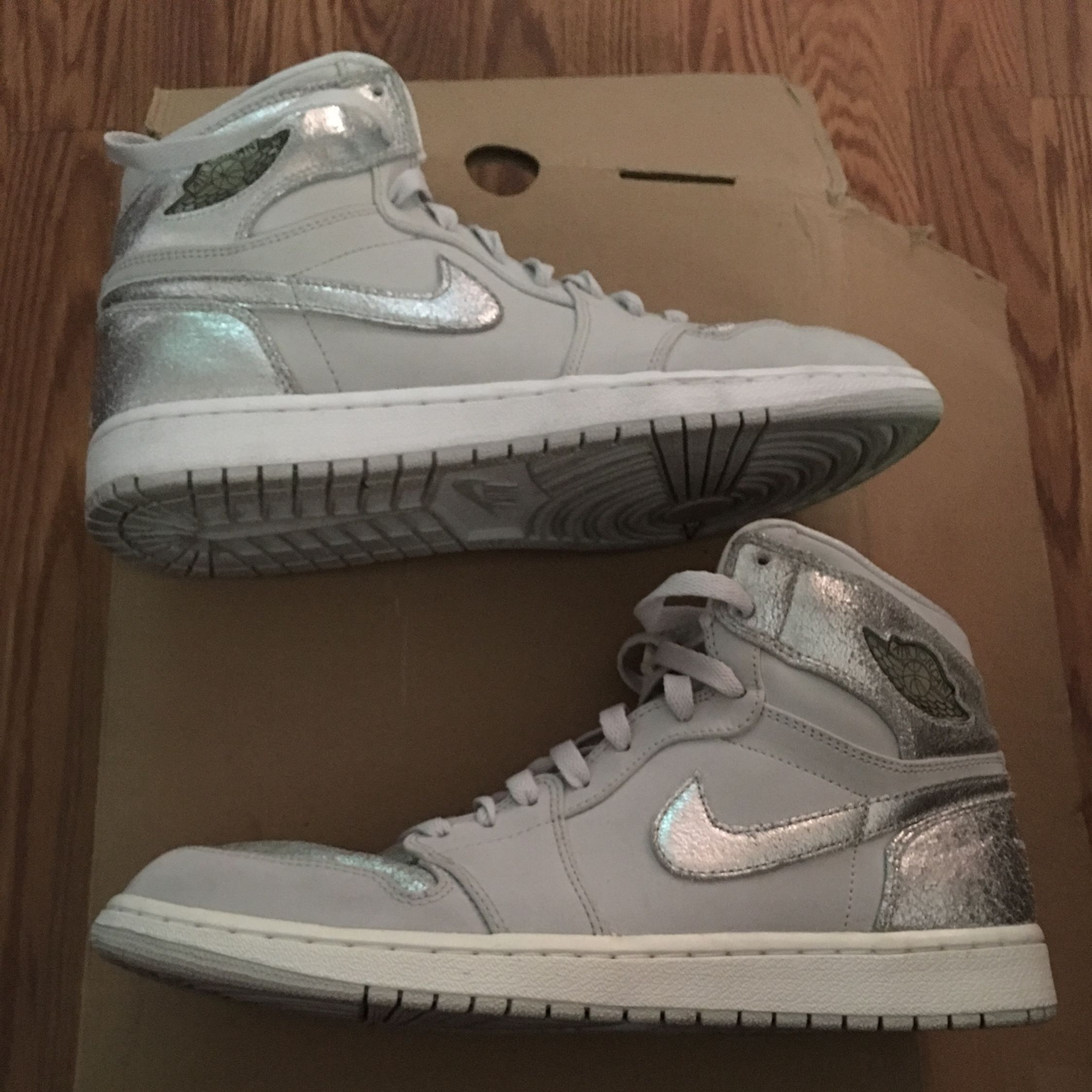 4b457befa2cd7c Air Jordan 1 Retro Hi Silver  25th Anniversary  - Air Jordan - 396009 001 -  neutral grey mtllc silver-white