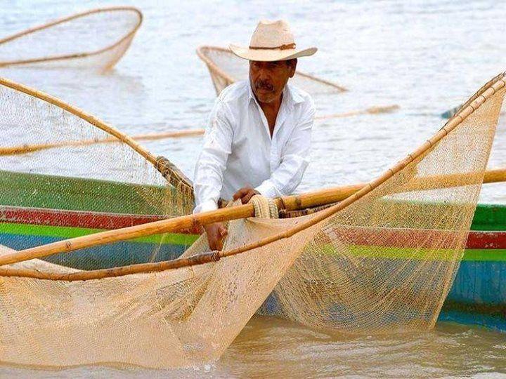 Pescador, Isla de Janitzio, Michoacan, Mexico
