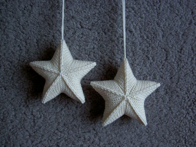 Knitting Vertical Stripes Different Colors : Star ornaments could see this working in different colors