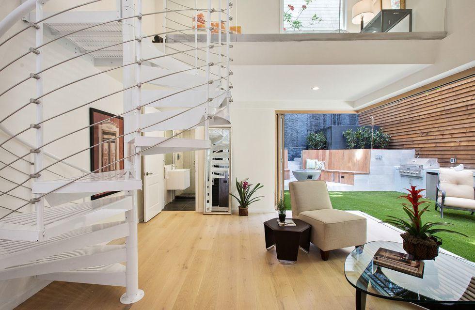 In vendita l'elegante casa di Nicolas Cage in stile ...