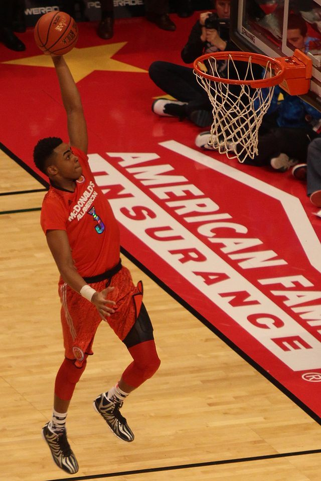 056840813b D Angelo Russell dunking in the w 2014 McDonald s All-American Boys Game