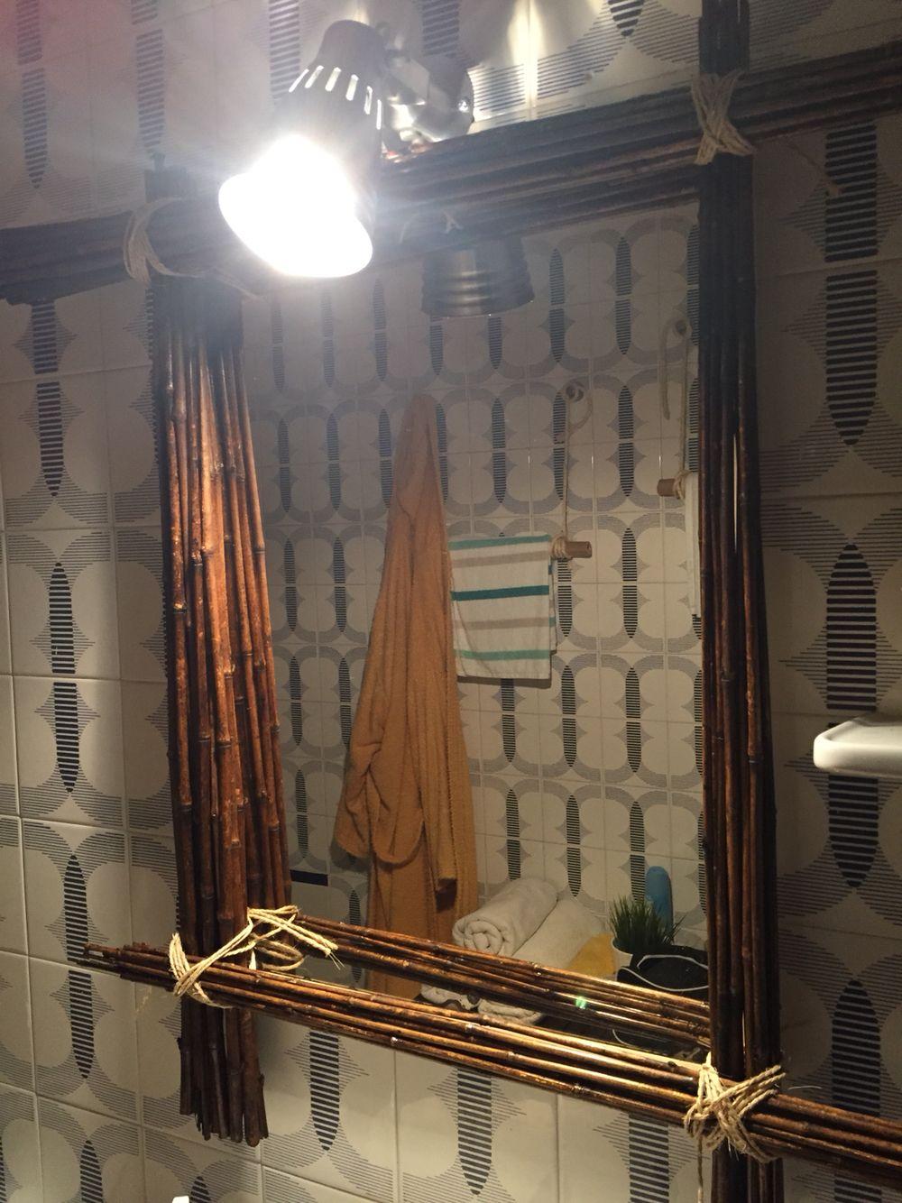 Marco de espejo para renovar uno con marco viejo! Hay que cortar las cañitas y atarlas con cuerdas. Mirrow frame .