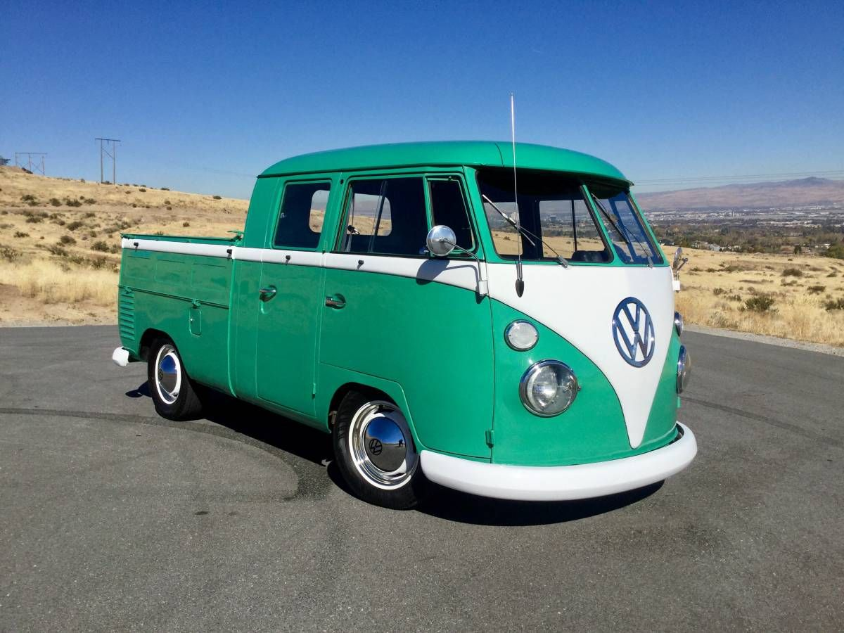 Beautifully Restored 1962 Volkswagen Split Window Double Cab Bus Volkswagen Bus Volkswagen Cab