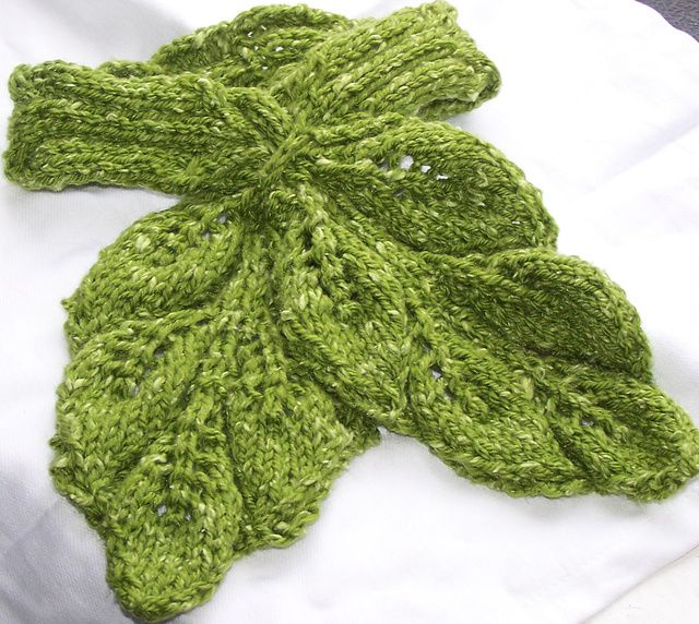 Leafy Cabled Neckwarmer Pattern By Grace Mcewen Ravelry Scarf
