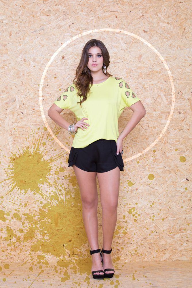 Blusa Ombro Buraco VBL 101 / Short Crepe Camadas VSH 68 #mundoErreErre www.erreerre.com.br