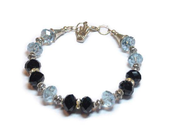 Armband Lea Handgemaakte armband van facet geslepen kristal glazen kralen gecombineerd met metalen spacers en strass rondellen  Kleur lila en zwart