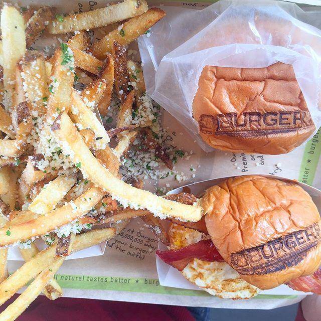 @burgerfi . #ChefSabs #chefsabsapproves #burgers #burgerfi #food #blog #foodblog