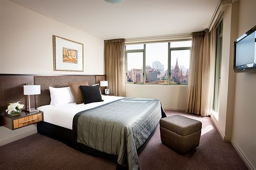 Quay West Suites Hotel In Melbourne Has The Best Rooms In
