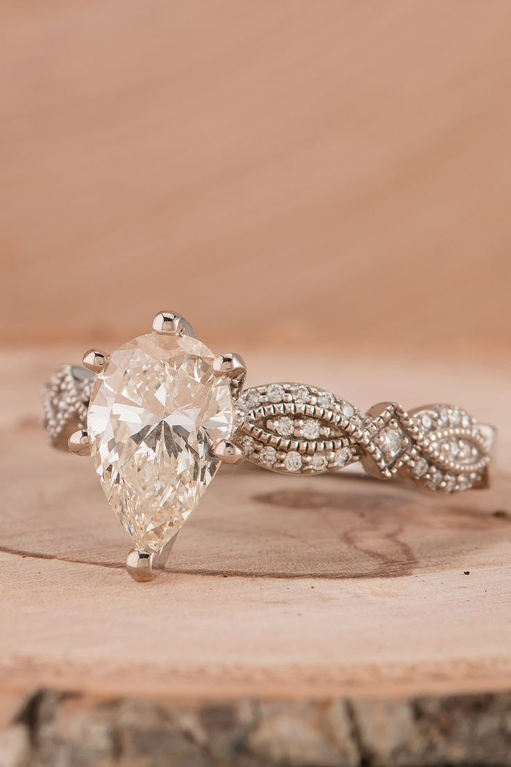 All the milgrain details on this vintage-inspired engagement ring make it absolutely stunning. #ShaneCo #ShaneCoSparkle