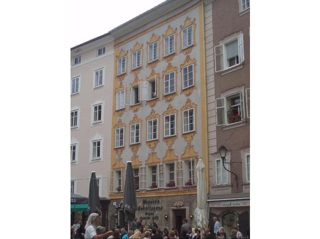 Mozart born here in Salzburg on the square.