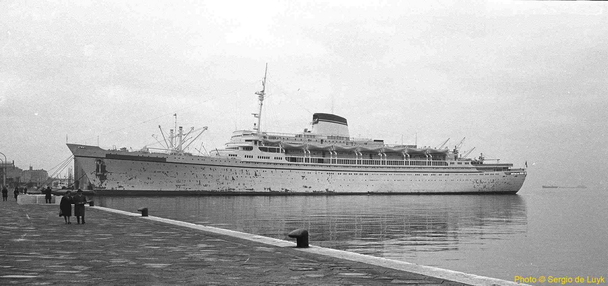 Cristoforo Columbo Docked In Venezuela Liners Pinterest - Columbo cruise ship